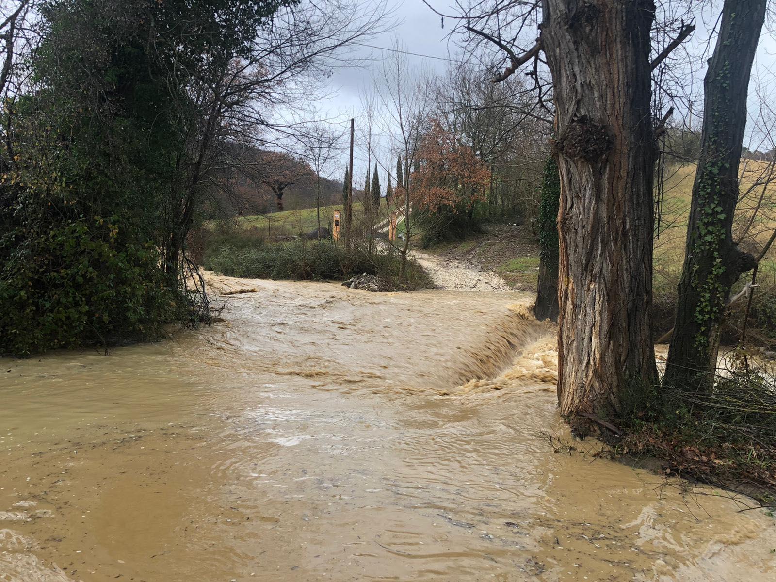 manciano-fiume-in-piena-fosso-Fiascone-e-in-localita-Piano-di-Cirignano