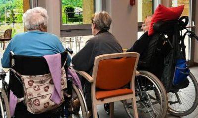 rsa-anziani-sulla-sedia-a-rotelle