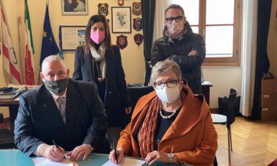omune-grosseto-sindaco-Piedibus-firma-la-convenzione-con-lAuser.
