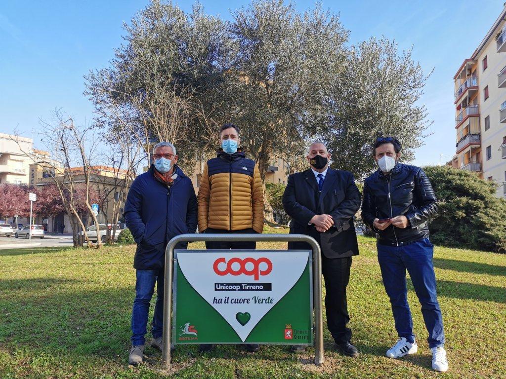 sindaco-Antonfrancesco-Vivarelli-Colonna-assessore-Riccardo-Megale-amministratore-di-Sistema-Mauro-Squarcia-Federico-Cagnani-Unicoop