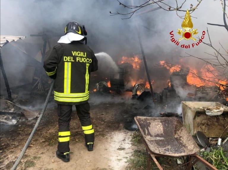 vigili-del-fuoco-incendio.