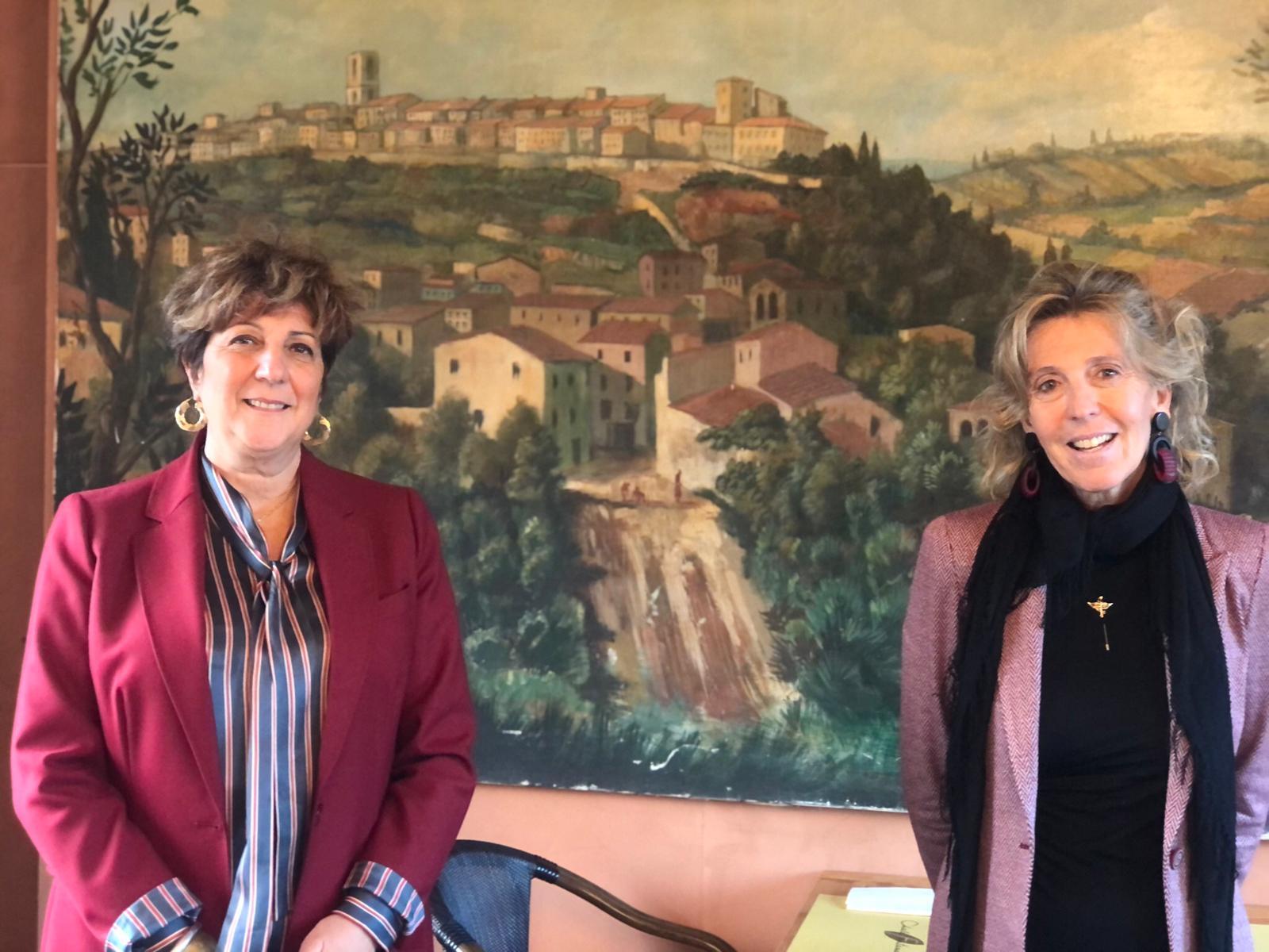 nella-foto-a-sinistra-la-presidente-Paola-Butali-a-destra-la-presidente-nazionale-Antonella-Giachetti