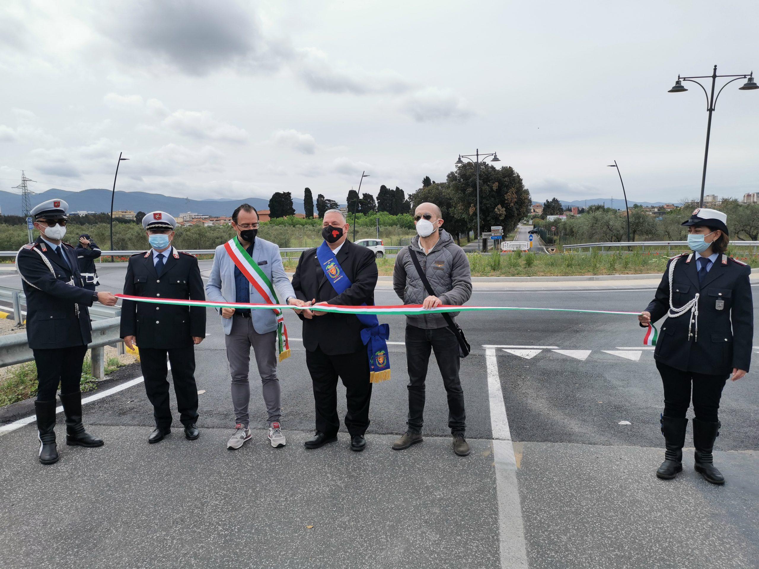 Inaugurata-la-rotatoria-sullAurelia-vecchia-a-Follonica