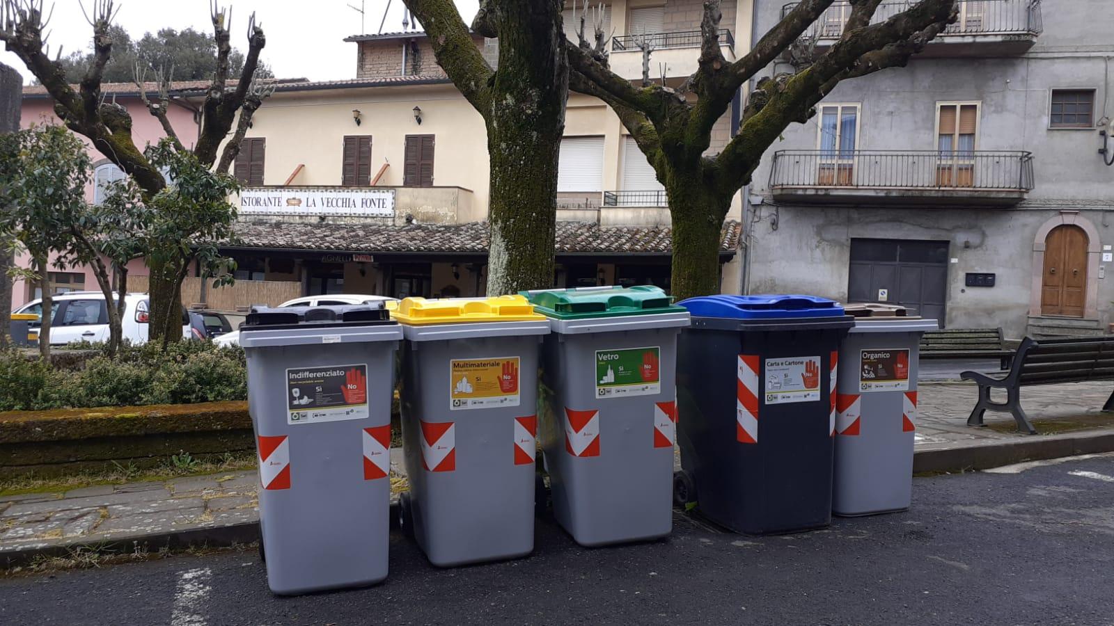 SeiToscana_postazione_raccolta-rifiuti