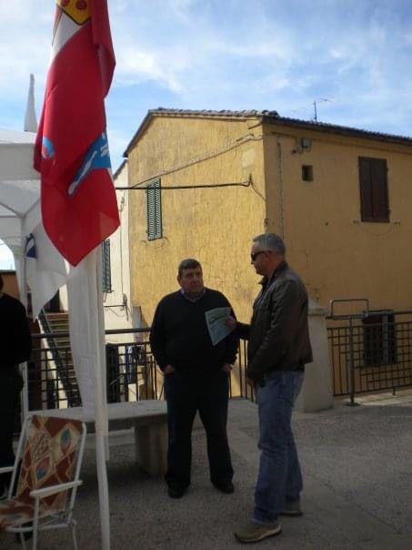 magliano-in-toscana-sindaco-Cinelli-al-gazebo-2009