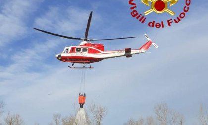 vigili-del-fuoco-elicottero-su-incendio.j