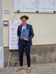 Lorenzo-Bonamici-neo-laureato-alla-fondazione-polo-univesitario