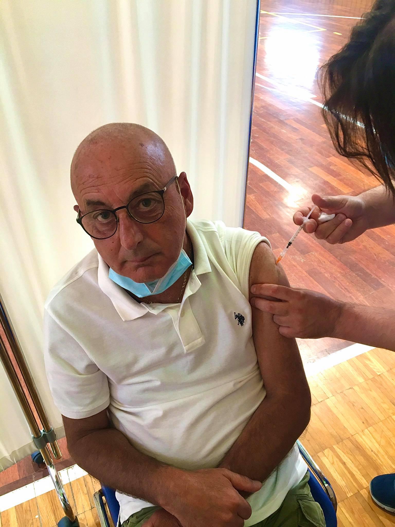 manciano-il-sindaco-si-vaccina-allhub.