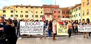 comitato-grosseto-aria-pulita-protesta-in-piazza-dante