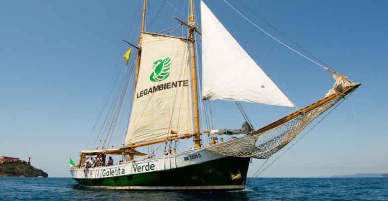 legambiente-Goletta-Verde-in-navigazione