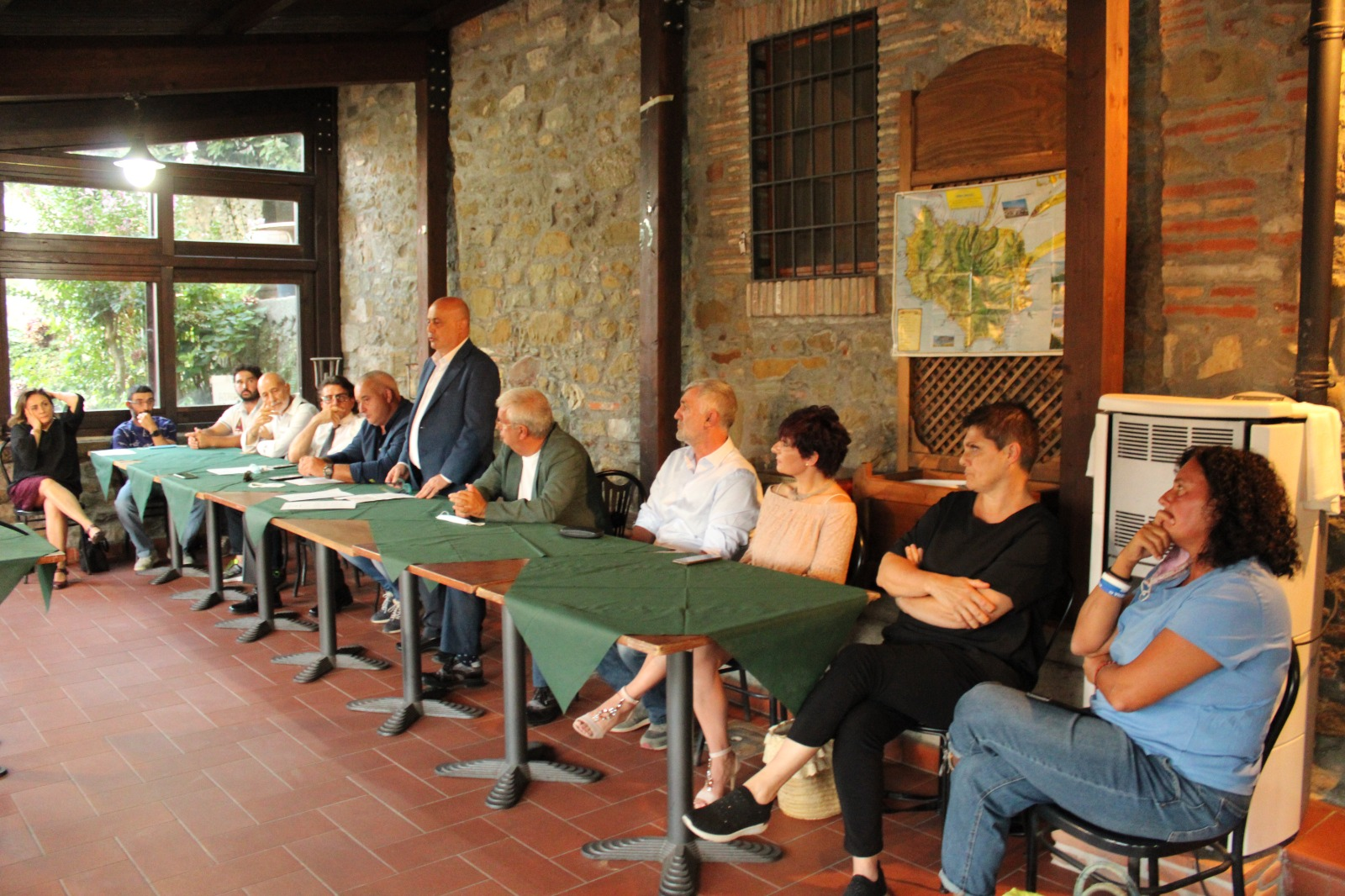 Tavolo-candidati-lista-Scansano-Sempre-per-Giancarlo-Tenerini-Sindaco