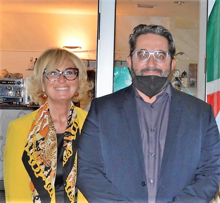 Avv.-Barbara-Chelli-campagna-elettorale-con-il-Sen.-Roberto-Berardi